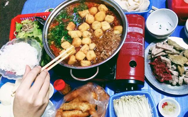 Lẩu Nguyệt – Nguyễn Du